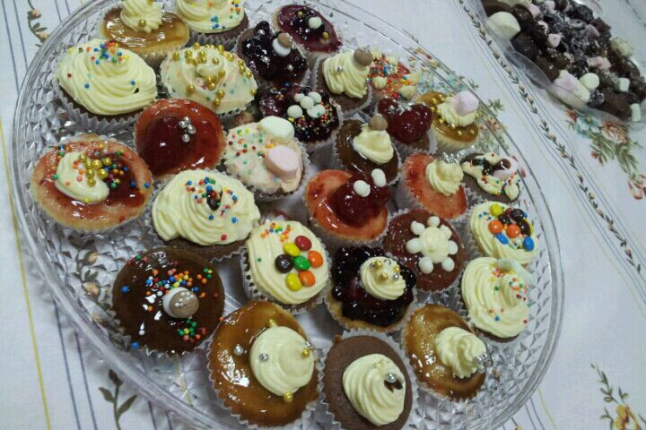 كريستال شوكولا لعمل الحلويات المنزليه وبأشكال جدا لذيذه 198.imgcache.jpg