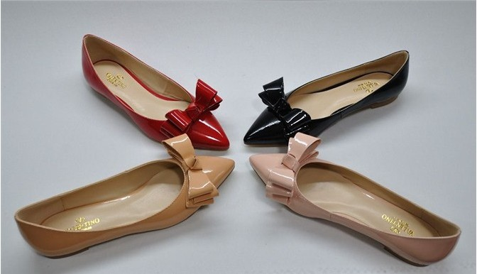 السعر فقط 380 ريال للأحذية valentino 3105.imgcache.jpg