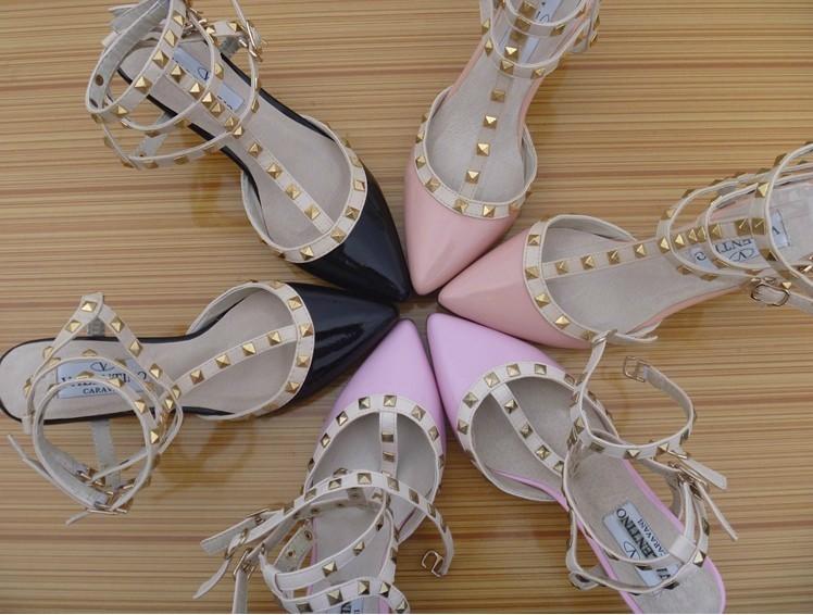 السعر فقط 380 ريال للأحذية valentino 3106.imgcache.jpg