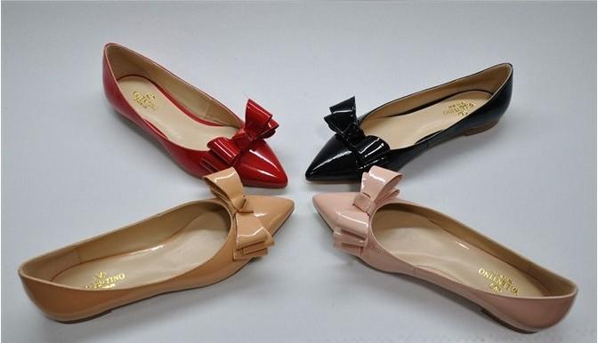 السعر فقط 380 ريال للأحذية valentino 3246.imgcache.jpg