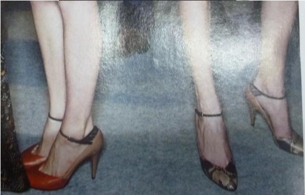 السعر فقط 380 ريال للأحذية valentino 3452.imgcache.jpg