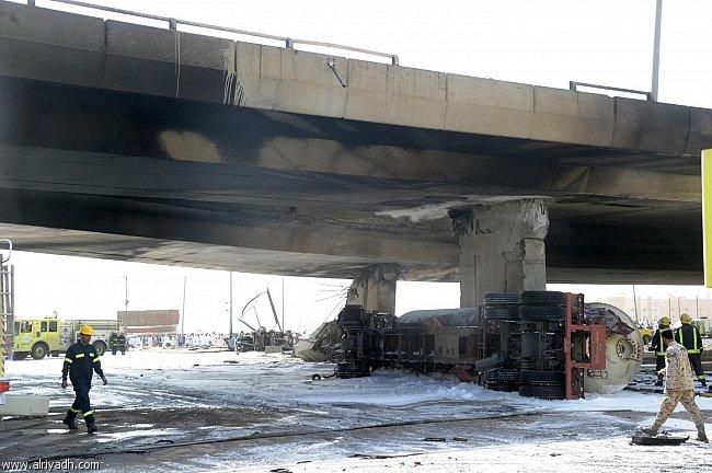 صور انفجار الرياض، تفجر سيارة الغاز 4324.imgcache.jpg