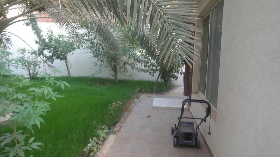 للبيع فيلا حي الغدير - المساحه 704م2 5689.imgcache.jpg